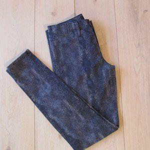 🌼 Clavin Klein Jeans